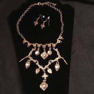 Jewelry - Antique Gold statement necklace & earrings set
